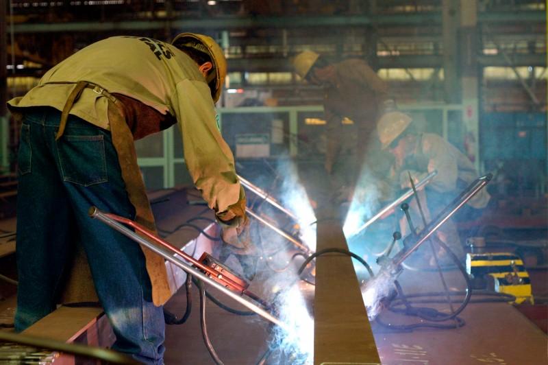 Falta política industrial para o Brasil, afirmam especialistas