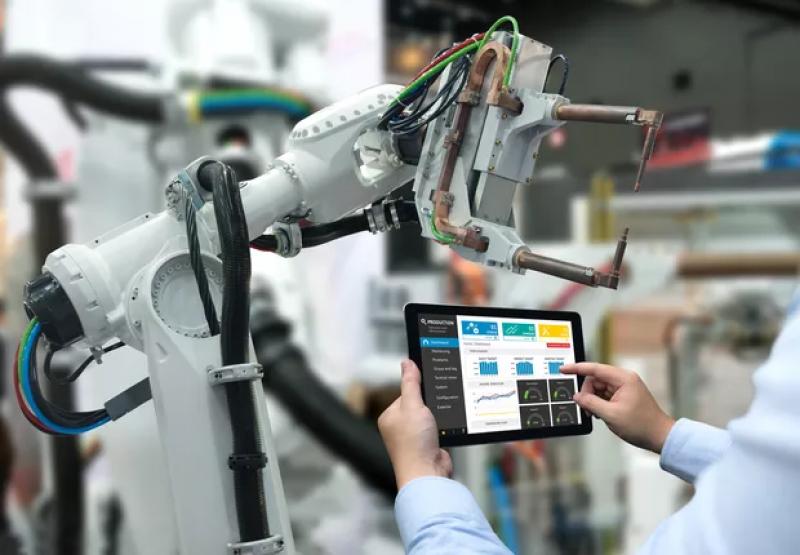 Robôs serão colegas dos humanos, e não rivais, diz estudo do MIT